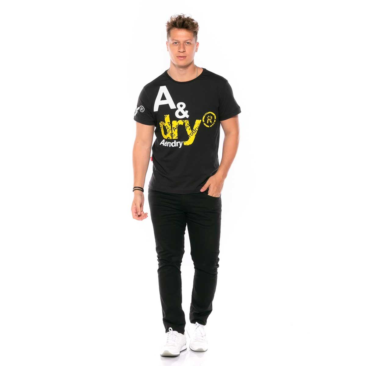Camiseta em Meia Malha com estampa em relevo Aerodry