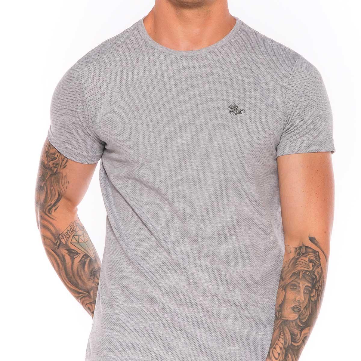 kIt com 2 e leve 3 Camisetas Masculinas Malha pontilhada e Logo Metalizado
