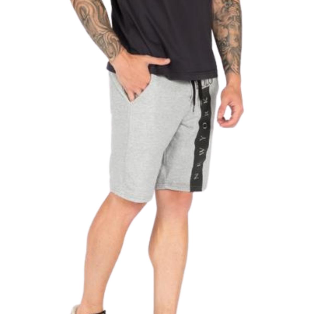 Kit com Bermudas Masculinas e Camiseta