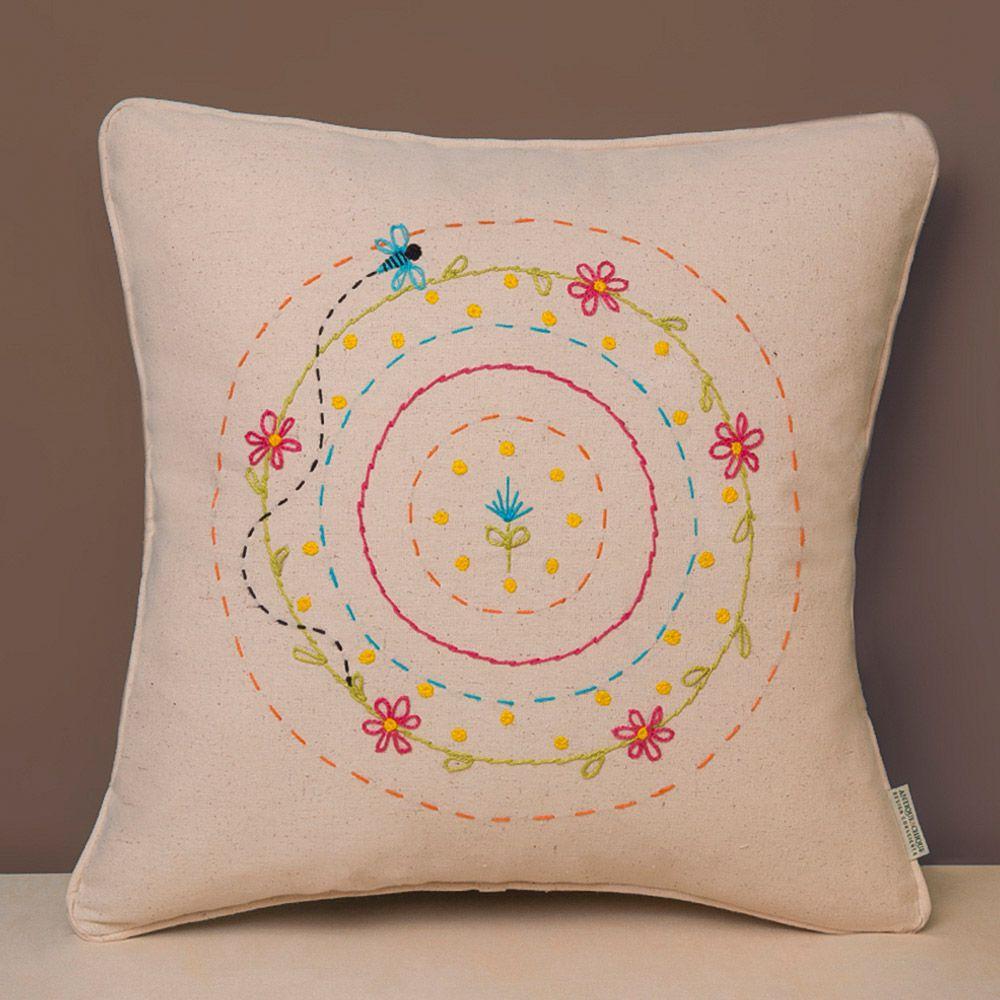 Capa de Almofada Bordada - Algodão Orgânico - Mandala