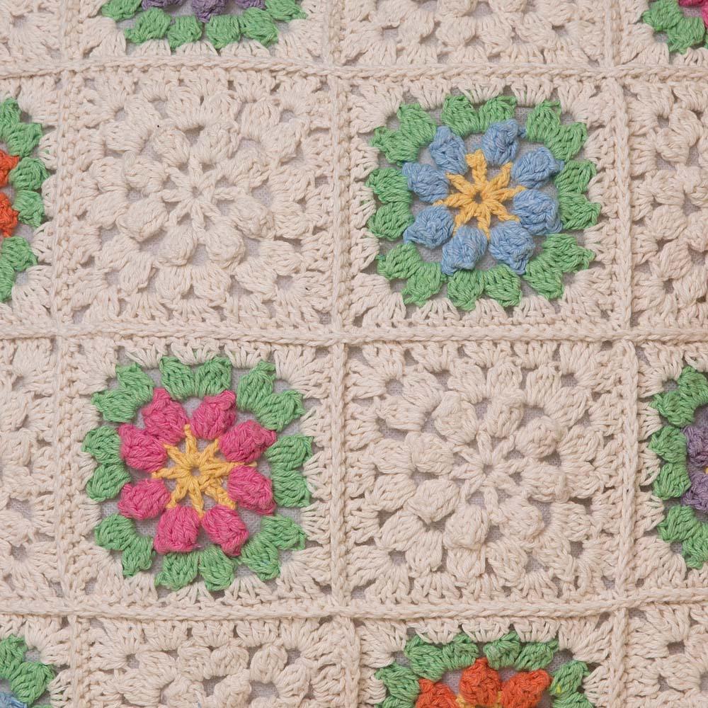 Capa de Almofada Crochê - Flores do Campo
