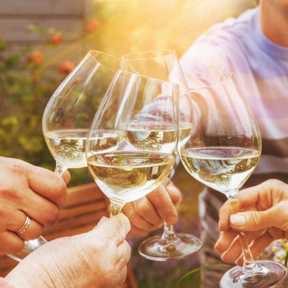 Kit 4 Vinhos De Mesa Crevelim Branco 2 Suave e 2 seco  Niágara 375ml