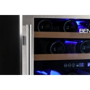 Adega embutir inox com compressor porta de vidro 51 garrafas - Benmax