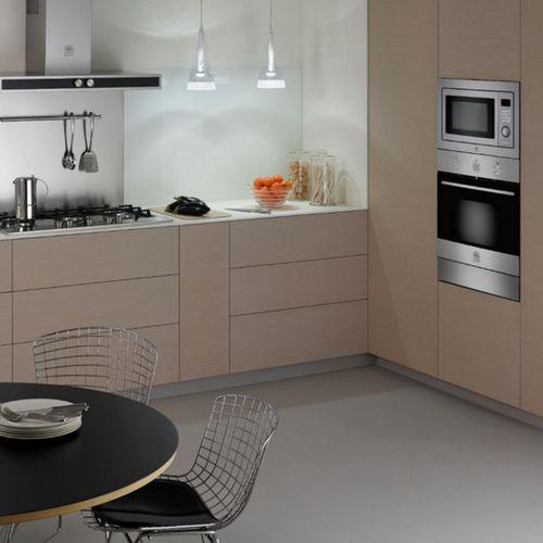 Combo LA GERMANIA Forno Microondas de Embutir + Forno Elétrico Multifunções + Cooktop de 70cm- 220V  - Bertazzoni