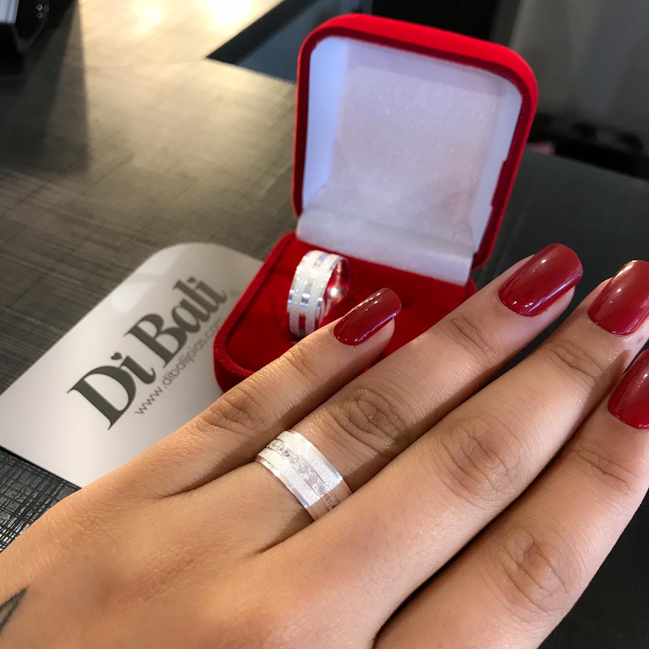 Aliança de Prata Diamantada com Pedrinhas (Par)