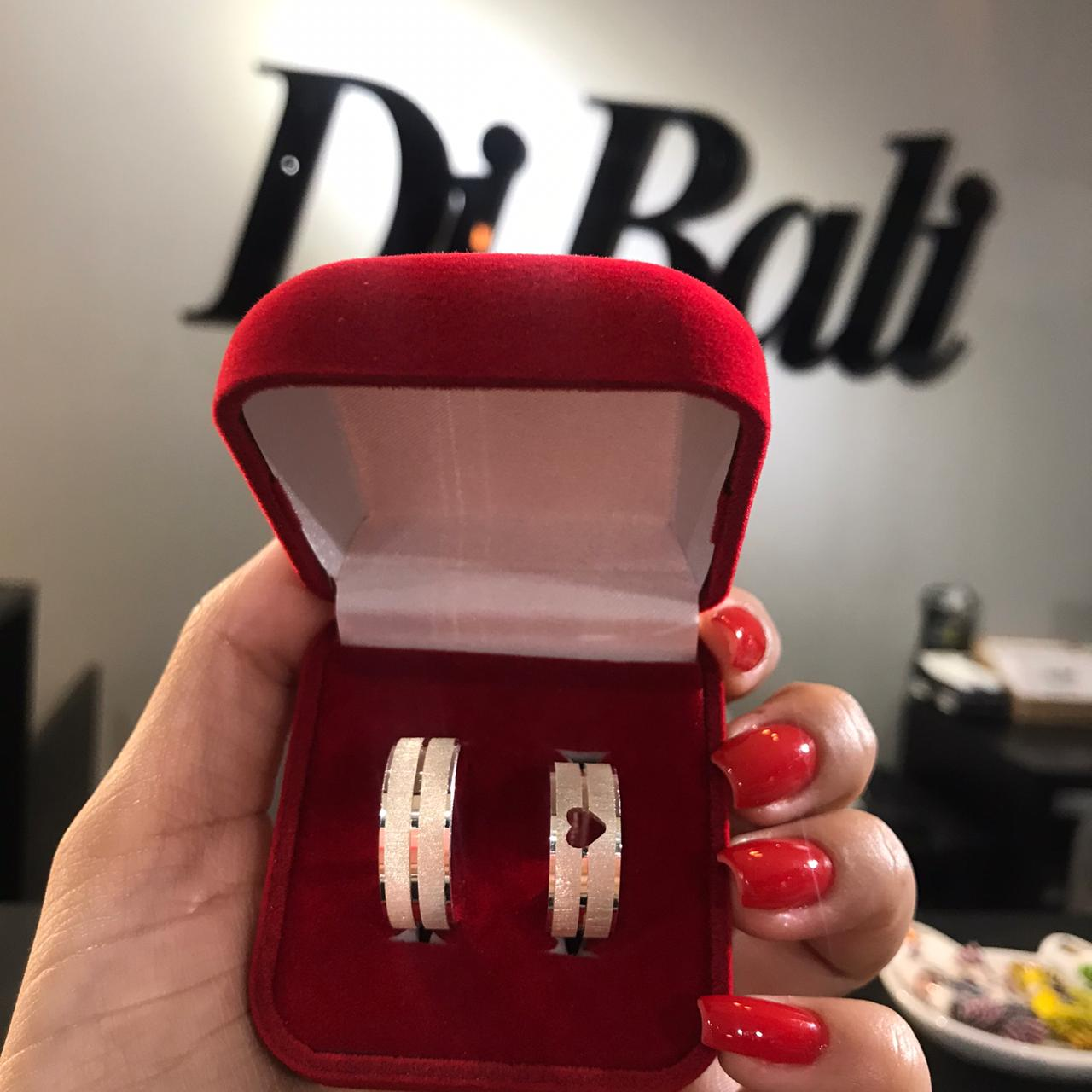 Aliança de Prata Diamantada Coração Vazado (Par)