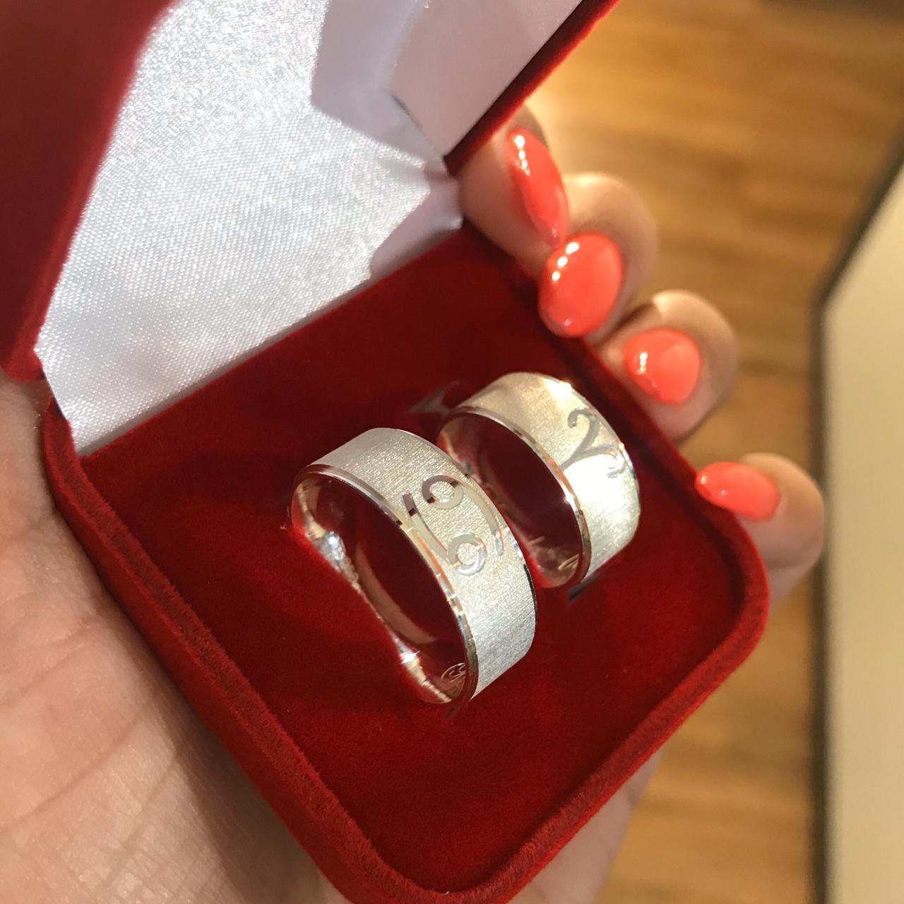 Aliança de Prata Diamantada Signos (Par)