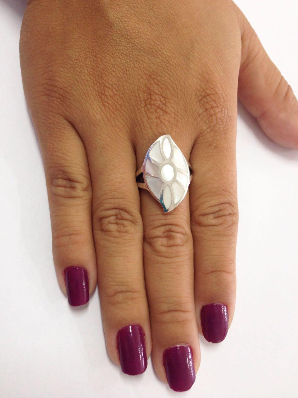 Anel de Prata Pedra Madrepérola