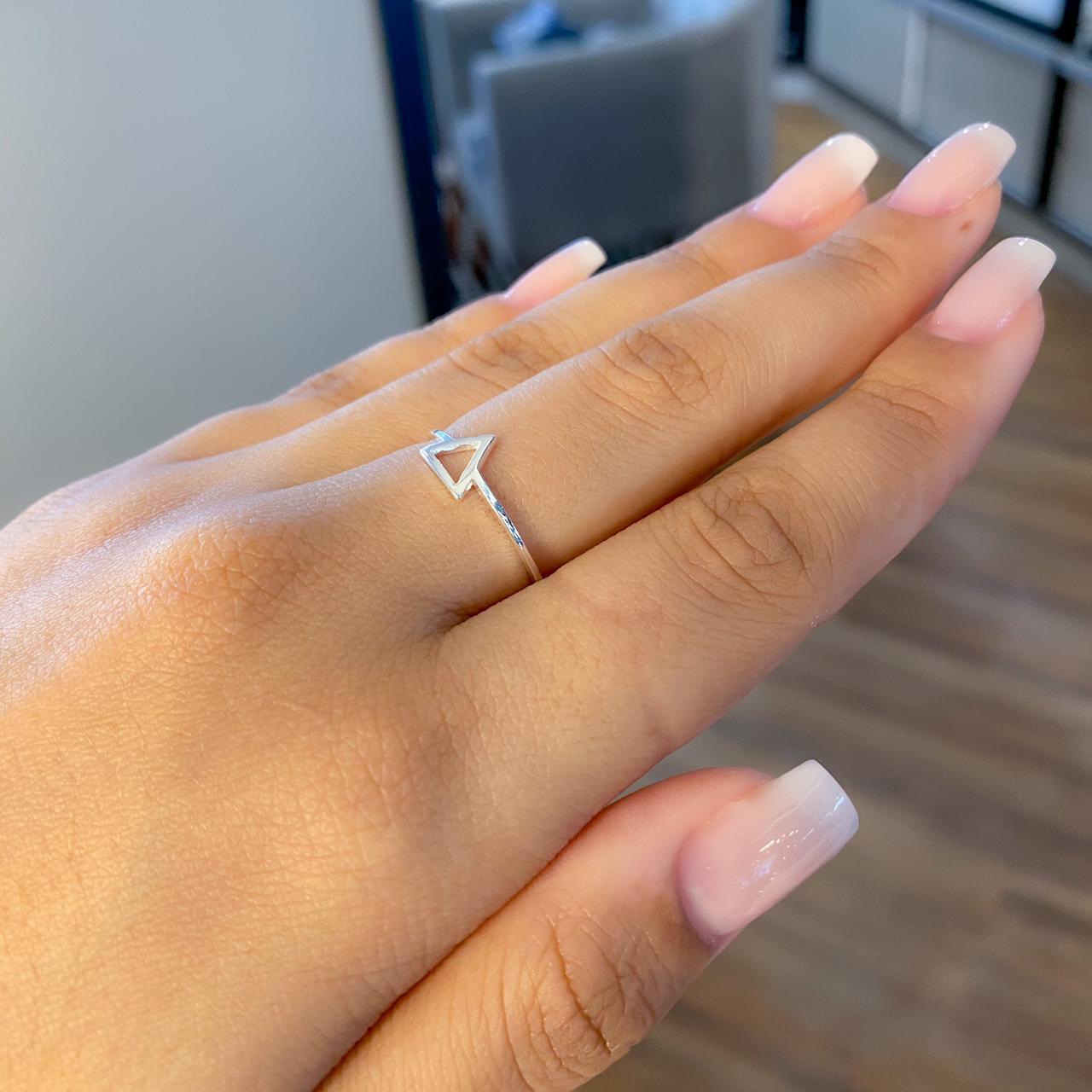 Anel de Prata Triângulo Pequeno