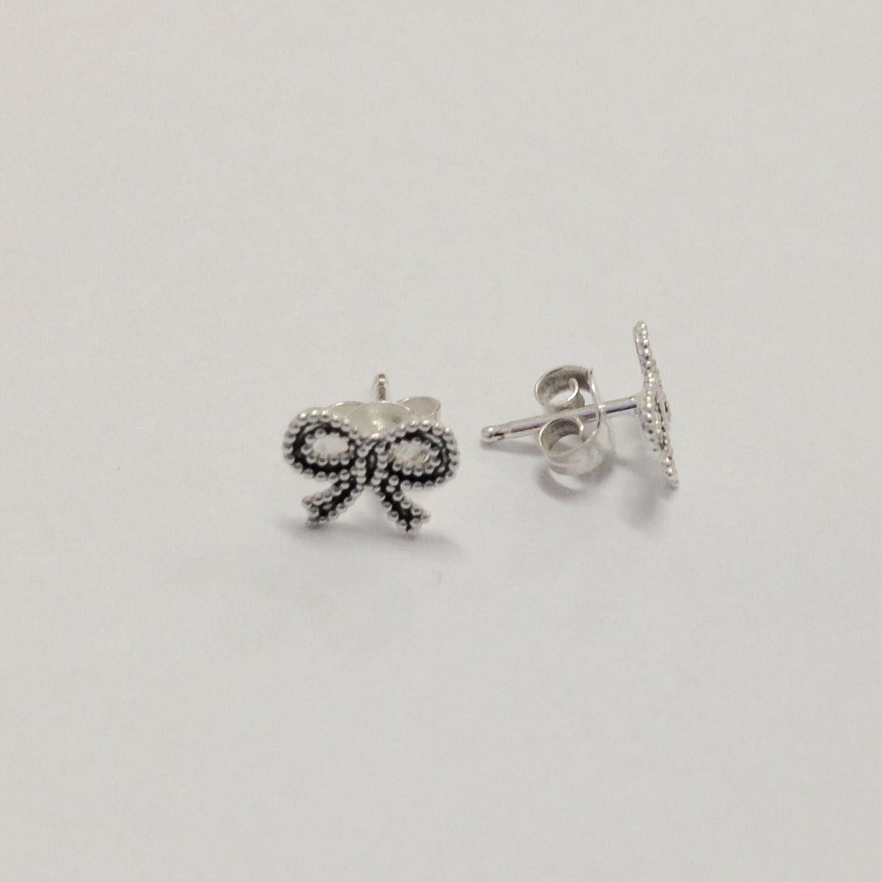 Brinco de Prata Laço Pequeno