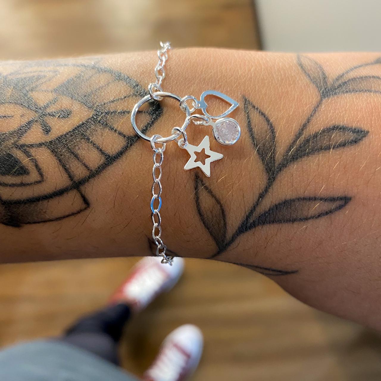 Pulseira de Prata Circulo com Estrela, Zircônia e Coração