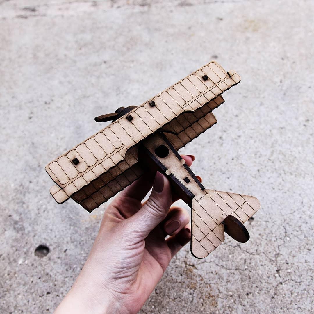 Aviões - Miniatura para montar Fokker DR1
