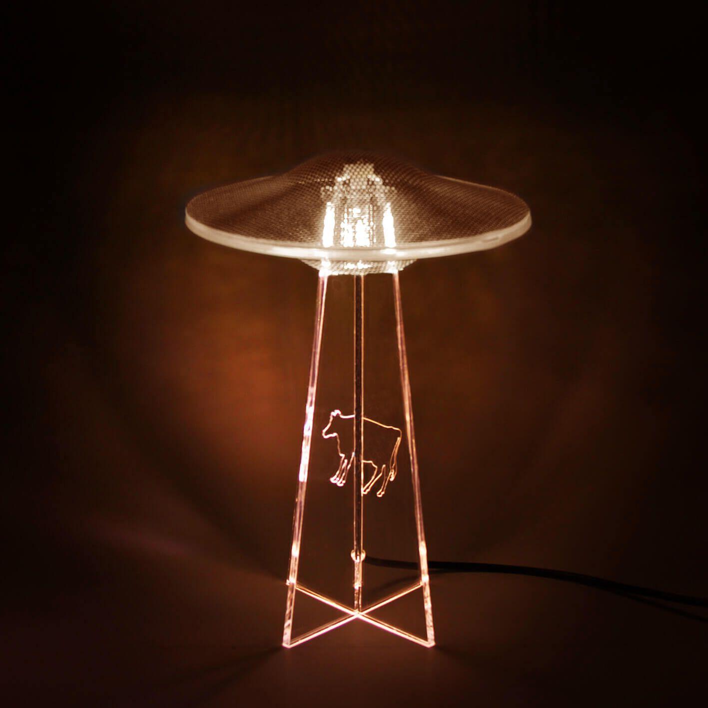 Luminária UFO - Branca - Vaca