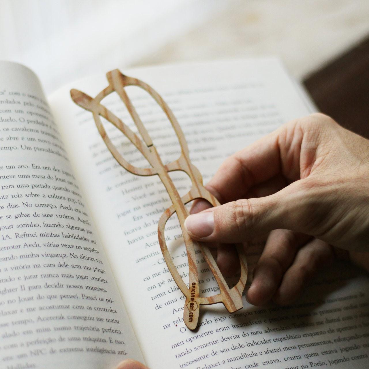 Marcador de livro em Madeira - Óculos EDIÇÃO ESPECIAL