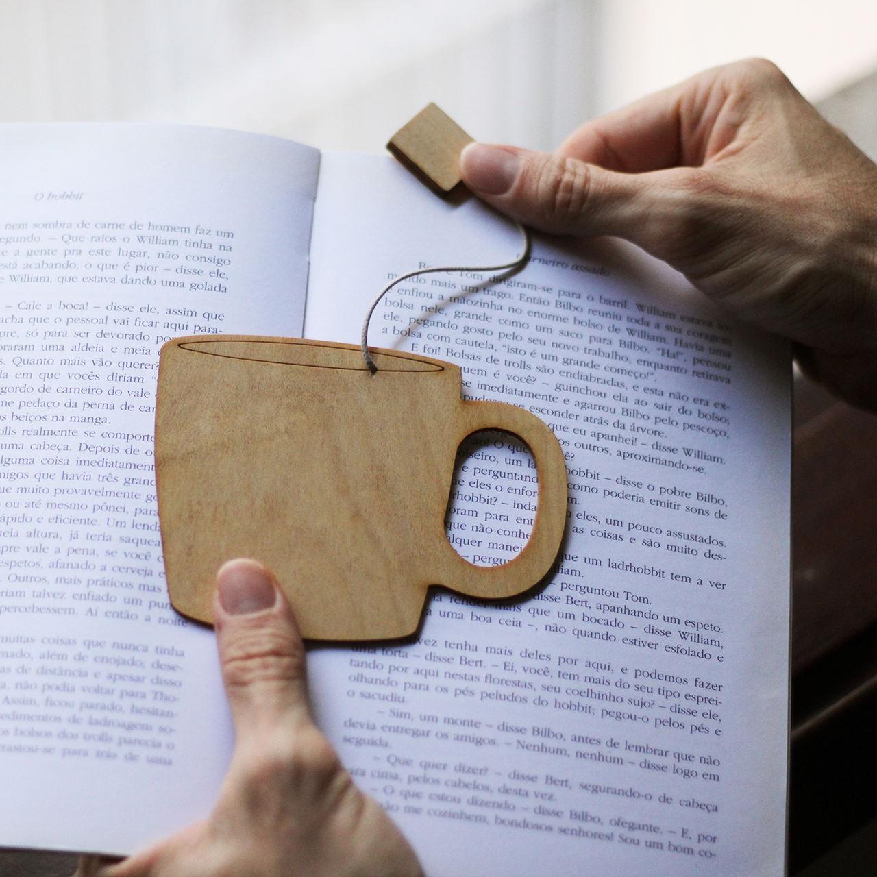 Marcador de livro em Madeira - Xícara