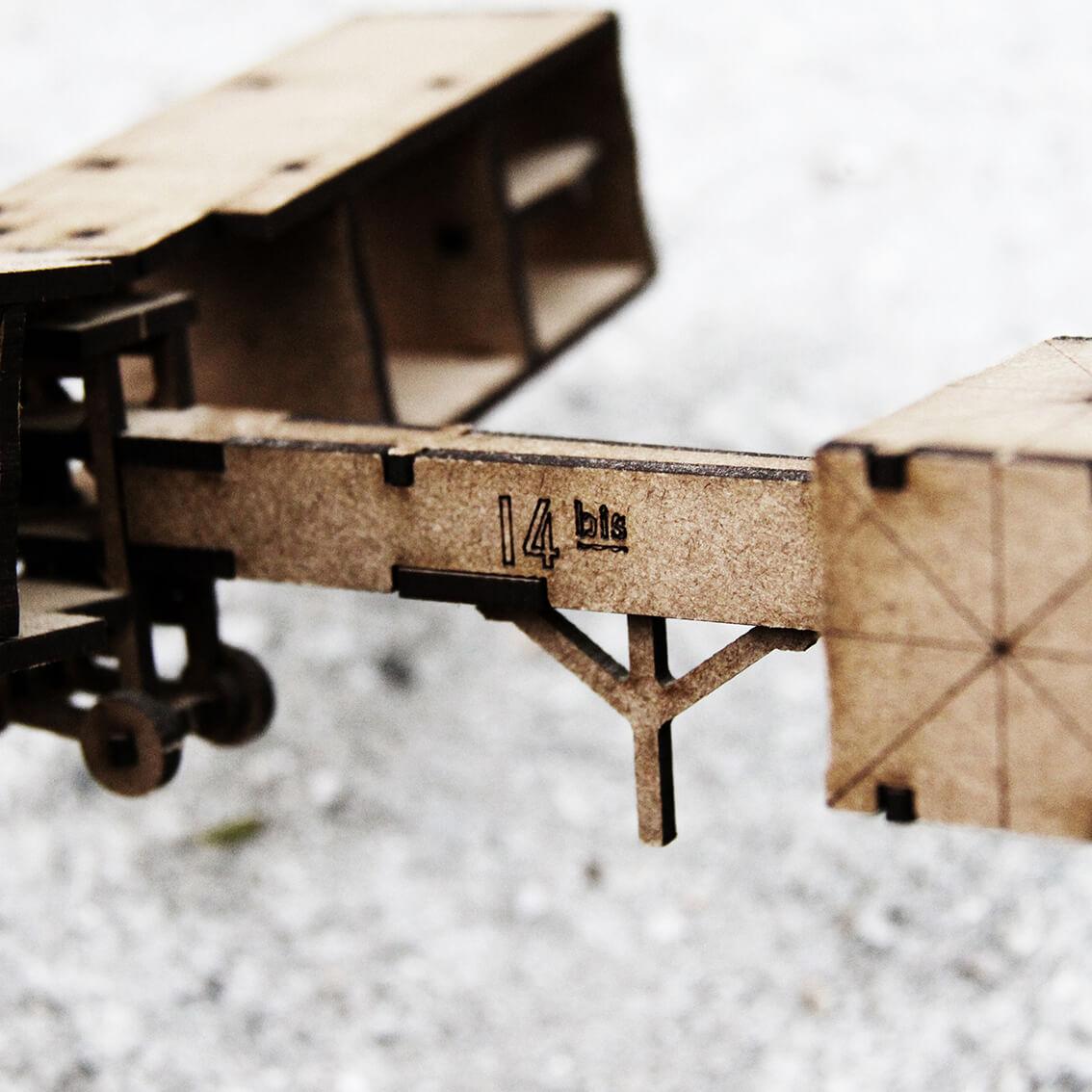 Miniatura 14 bis (Cutz)