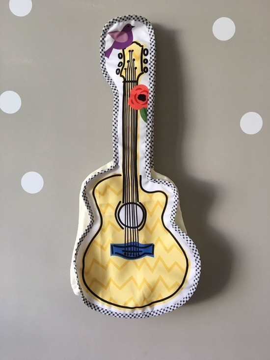 Mochilinha Violão