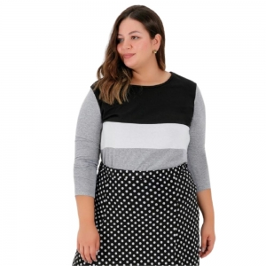 Blusa Feminina Plus Size Com Recortes Na Frente Plus Size