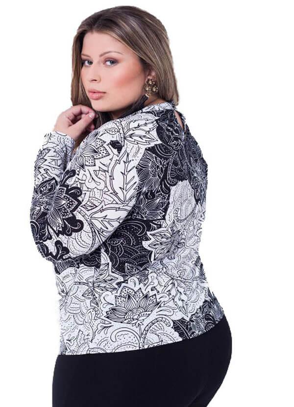 Blusa de Malha Plus Size Estampada