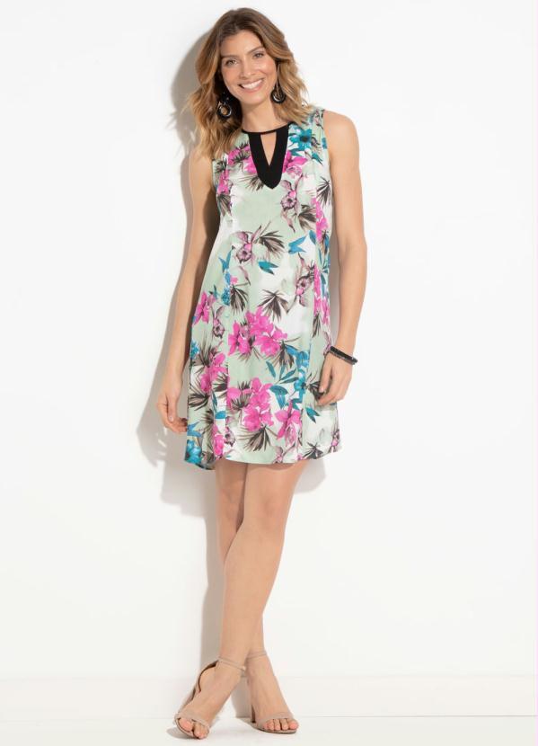 a167904e6dab Vestido Flores e Folhas com Amarração Plus Size