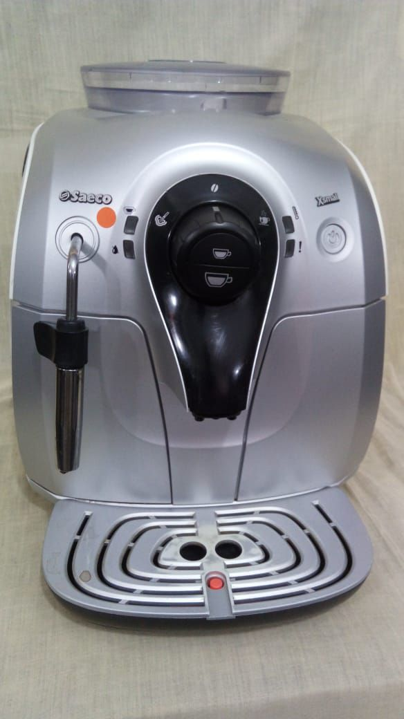Cafeteira Expresso Automática Saeco Xsmall Usada (Semi Nova)