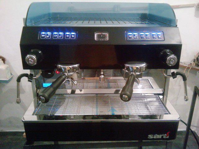 Máquina de Café Expresso (Semi Nova) Bianchi Sara Automática