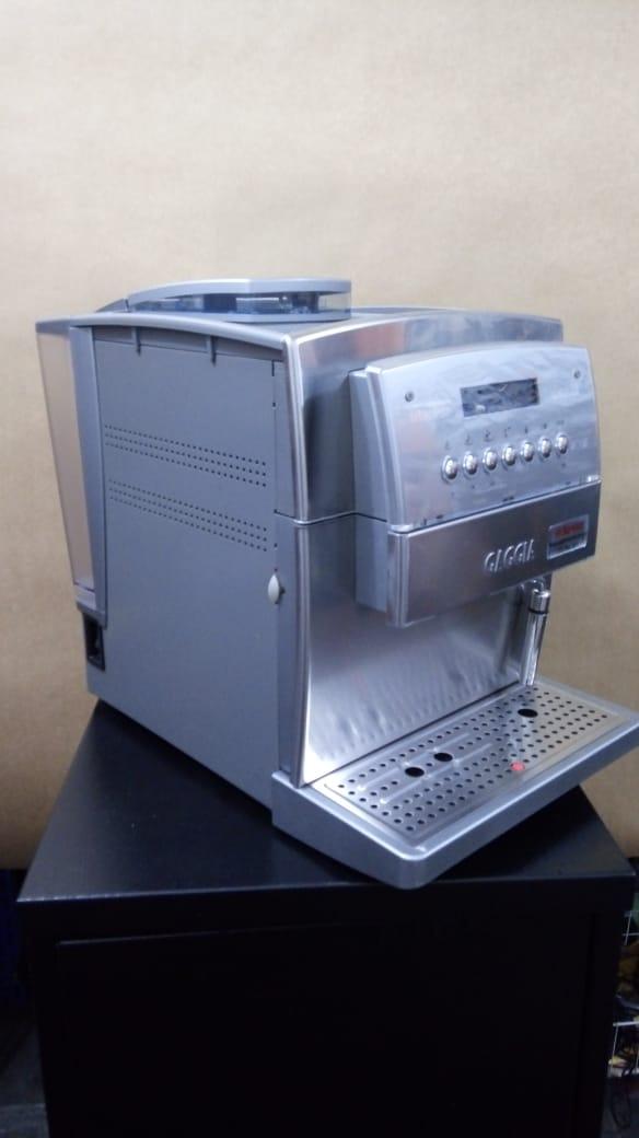 Máquina de Café Expresso Gaggia Titanium Usada (Semi Nova)