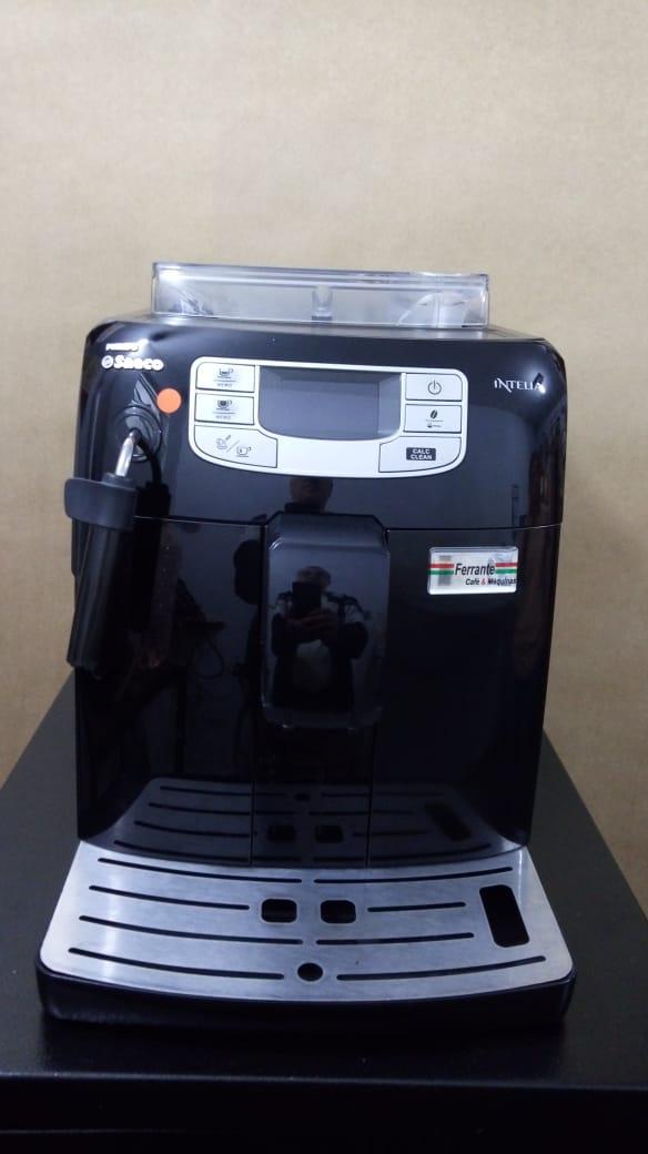 Máquina de Café Expresso Saeco Intélia Usada (Semi Nova)