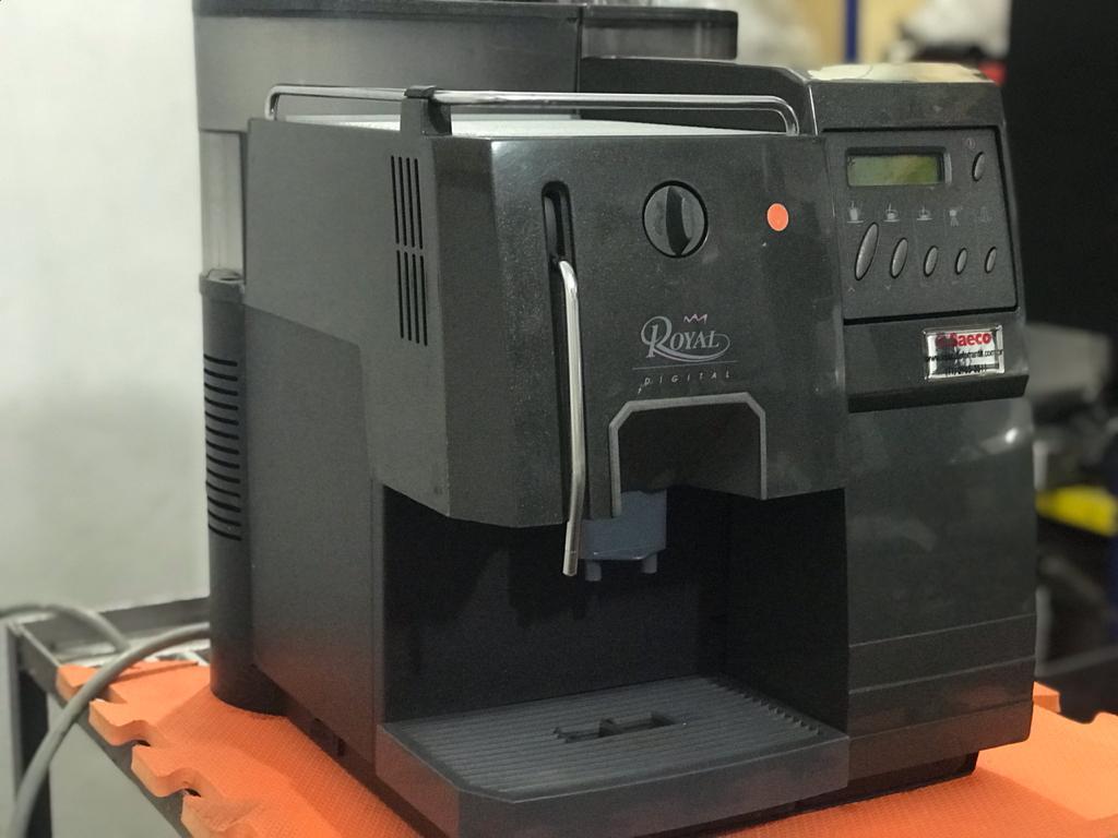 Maquina de Café Expresso Saeco Royal Digital Usada (Semi Nova) - 220V