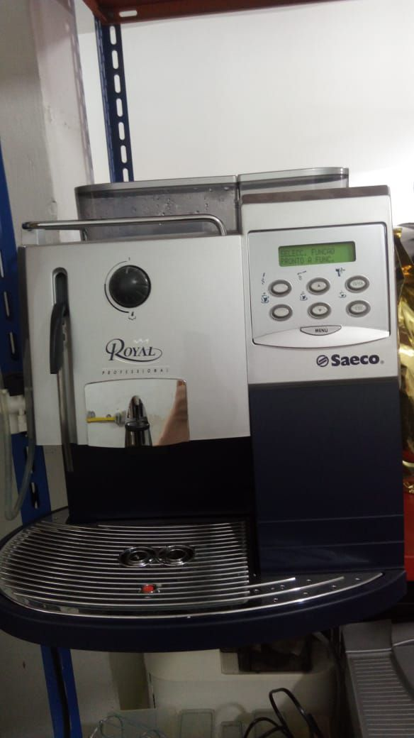 Máquina de Café Expresso Saeco Royal Profissional Usada (Semi Nova)