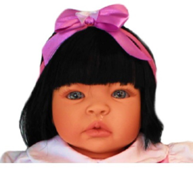 Bebê Reborn Caterine Morango Refletindo