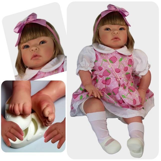 Bebê Reborn Helena Morango Refletindo