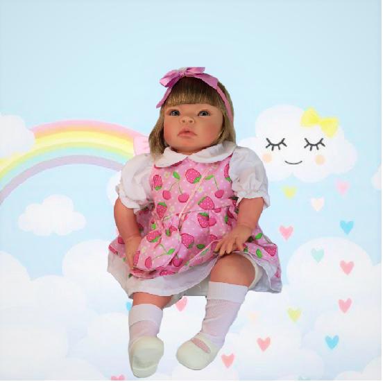 Bebê Reborn Helena Moranguinho Refletindo