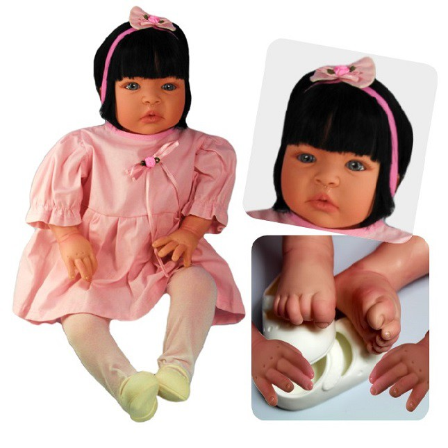 Boneca Bebê Reborn Caterine Rosinha Refletindo