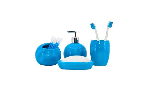 Kit de banheiro de 4 peças na cor azul e preto.