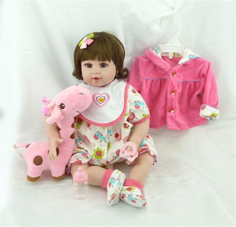 Bebê Reborn Boneca Realista Silicone  com girafinha pelúcia 55cm