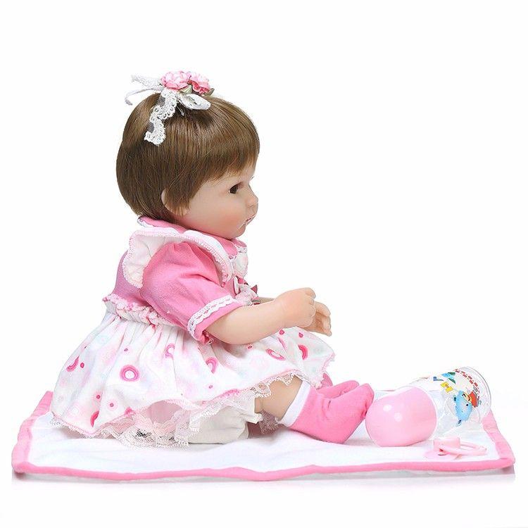 Bebê Reborn Boneca Realista Silicone vestido