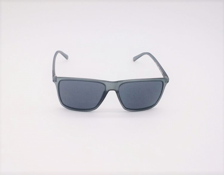 d084f0a61c13a ... Óculos de Sol Masculino GUGA KUERTEN Acetato Cinza Miami II GK 126.1 ...