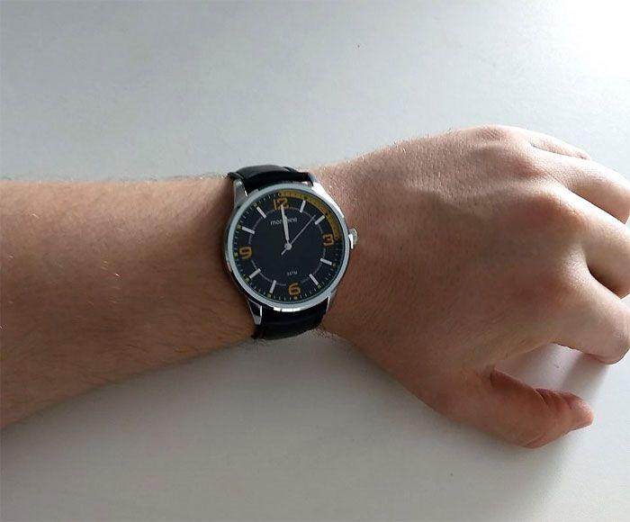 0e5c16037fed3 Relógio Mondaine Pulseira Couro Visor Preto 53515 G0MVNH1 - VEZATTO