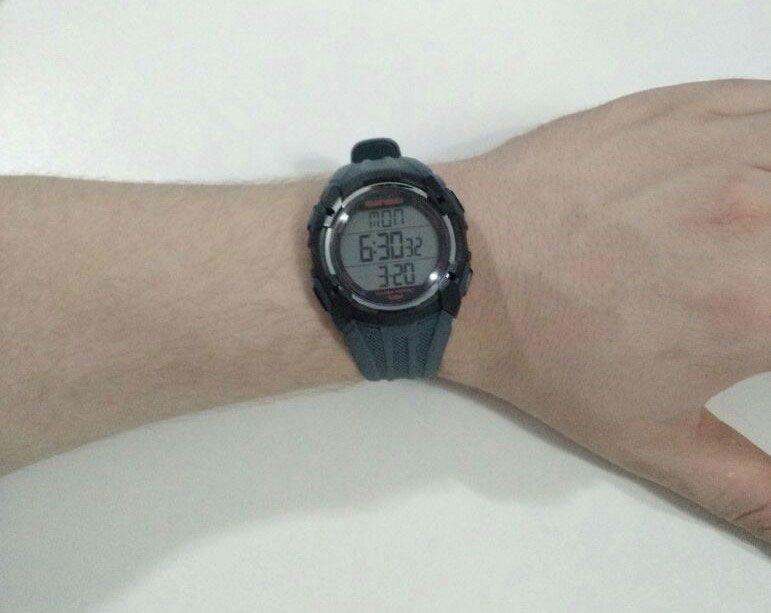 4aec9268c8dbf Relógio Mormaii Monitor Cardiaco Cinza MO11558A 8R - VEZATTO