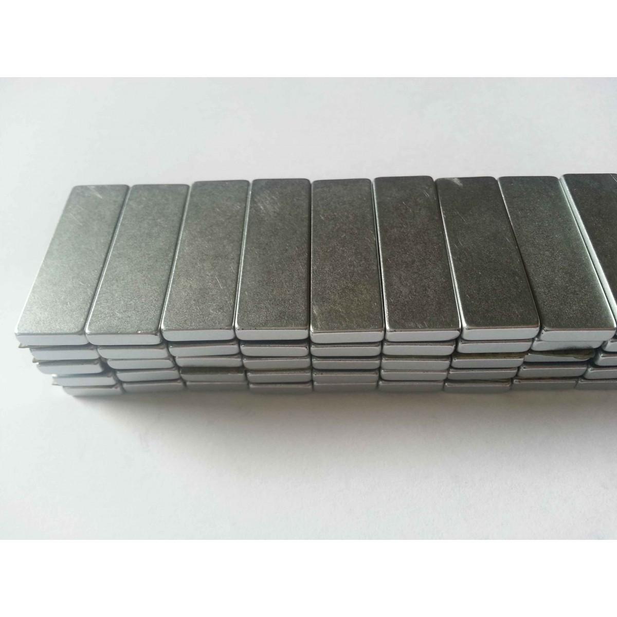 Imã De Neodímio / Super Forte / 30mm X 10mm X 3mm * 5 Peças