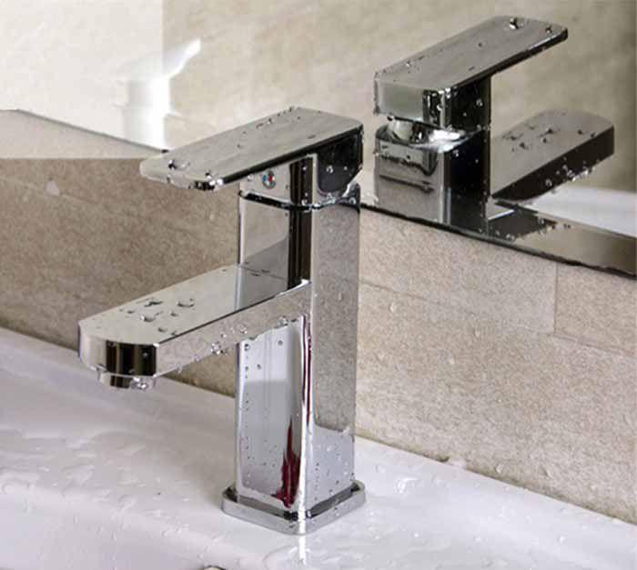 Torneira Para Banheiro Monocomando de Metal Cromo Lavabo Misturador