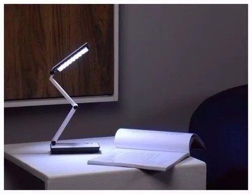 Luminária LED com Bateria Interna