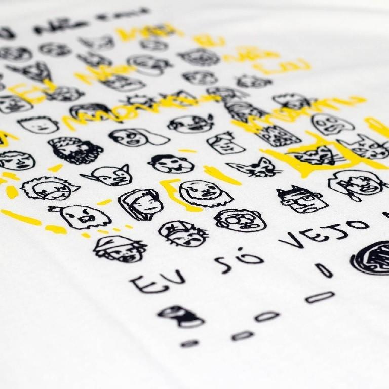 Camiseta Öus Manga Longa So Vejo Monstros