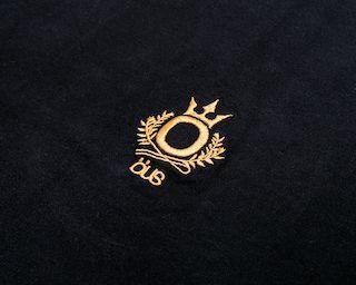 Camiseta Öus Ö Imperial Preta