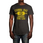 Camiseta Cobra Kai Cinza Chumbo