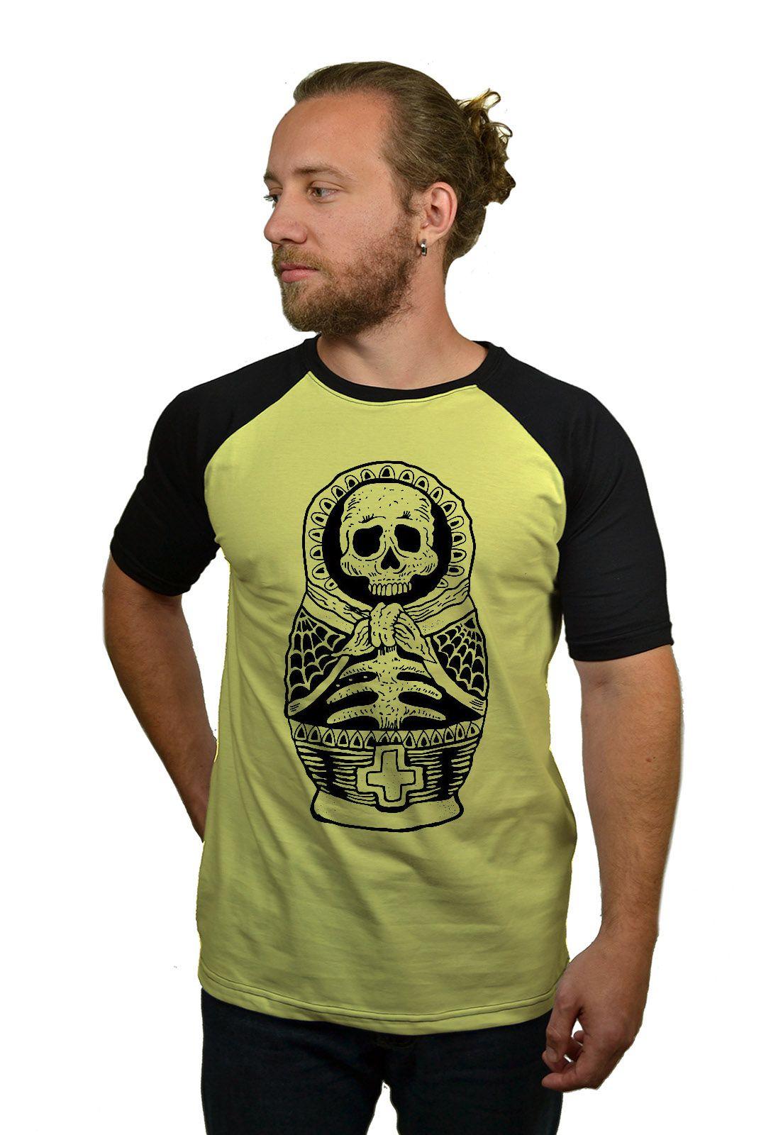 Camiseta Raglan Hshop Múmia Matrioska - Amarelo com Preto  - HShop