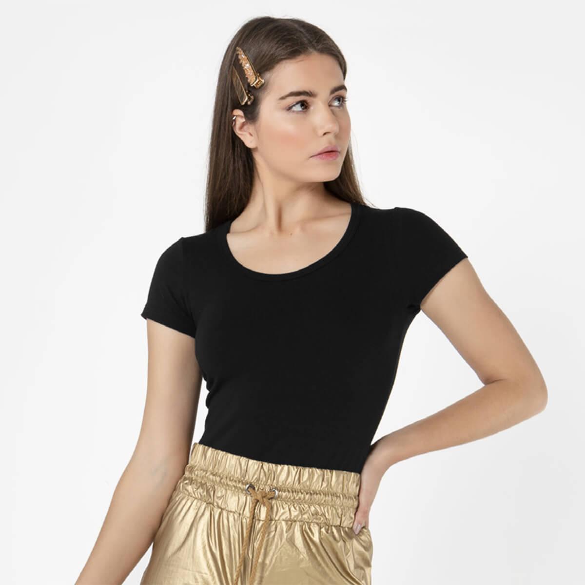 Blusa Feminina Básica Comfort Preta