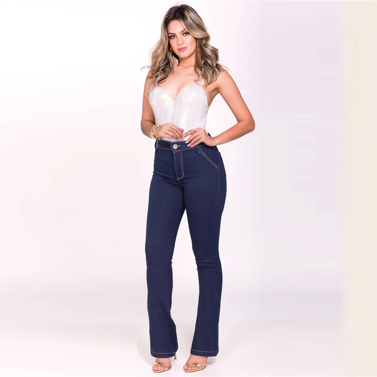 Calça Jeans Feminina Boot Cut Carbono