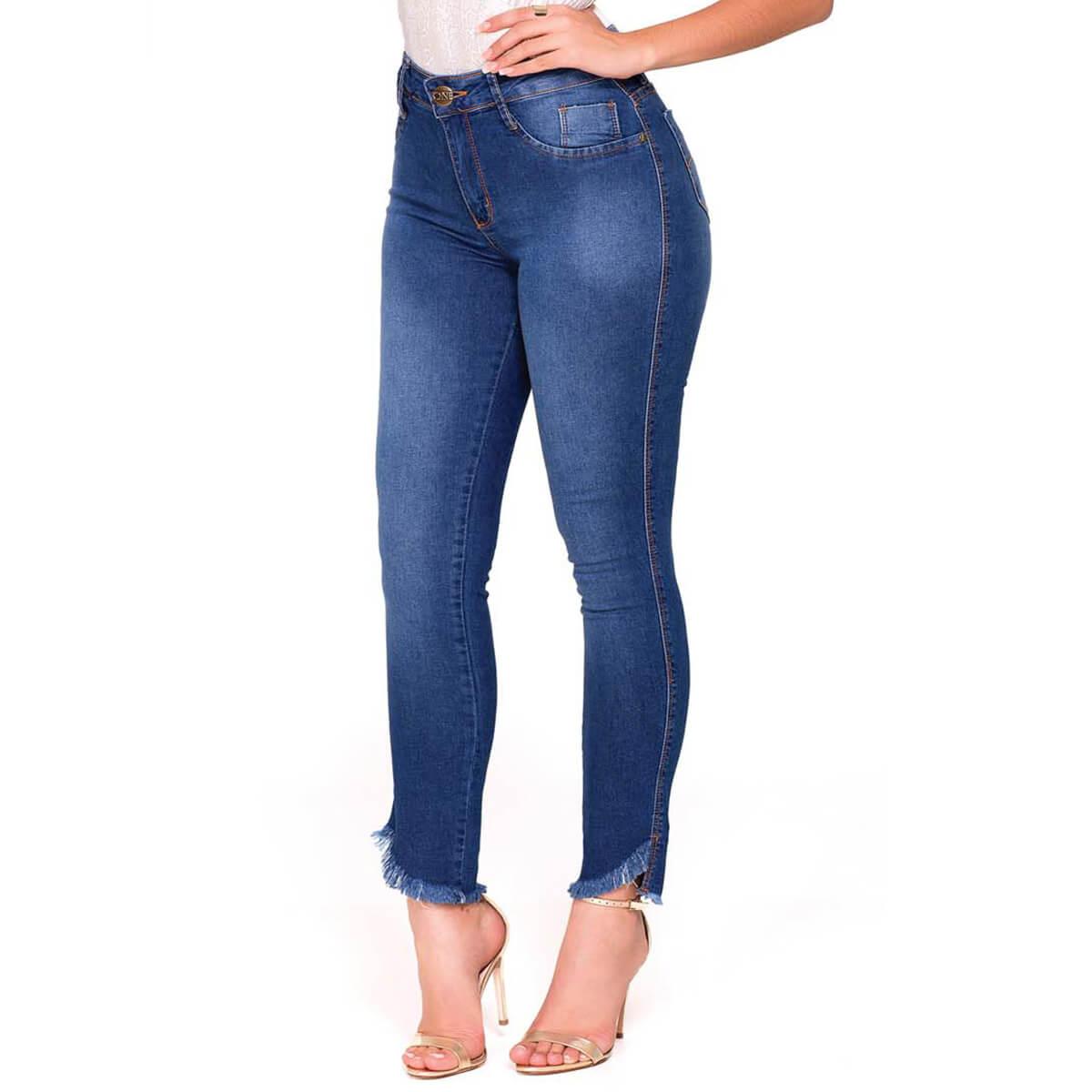 Calça Jeans Feminina Cigarrete Barra Assimétrica